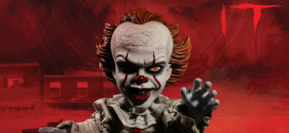 """""""You'll Float, Too"""" with Mezco Toyz's New Mega Scale Talking Pennywise IT (2017) Figure"""