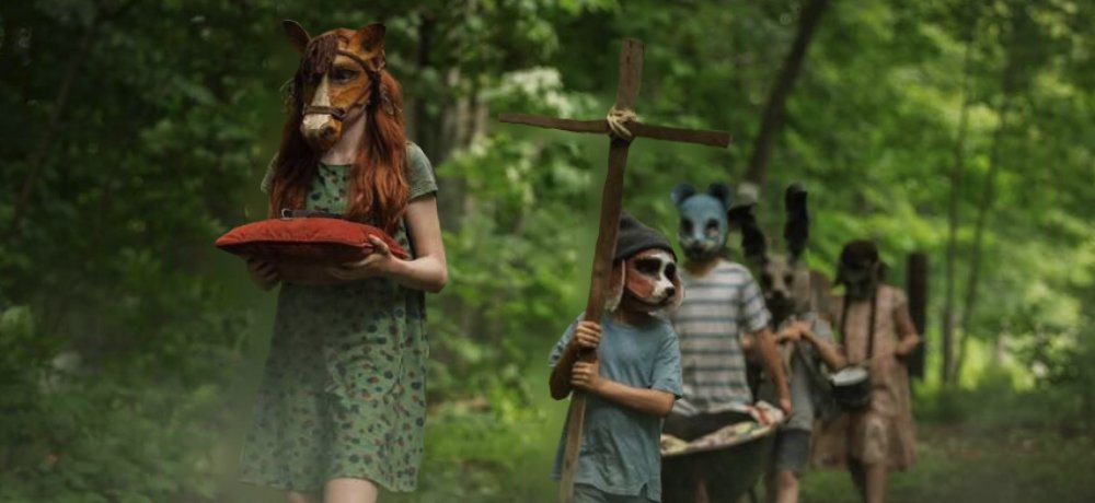New 3D Photo from 'Pet Sematary' (2019) Features a Chilling Funeral Procession